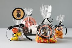 Goody bag ideas & free pdf to download for bag decorations. Cute for school treat bags for the class or for a party!