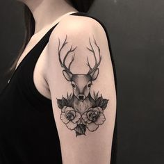 deer and floral tattoo on the arm Trendy Tattoos, Cute Tattoos, Beautiful Tattoos, Leg Tattoos, Body Art Tattoos, Girl Tattoos, Tattos, Hirsch Tattoo Arm, Hirsch Tattoos