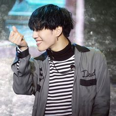 - [170313] Never Ever First Stage ー i'm gonna make a group DM where we can send kpop memes and videos and be friends :) so please dm me if you want to join!! ❤  @yu_gyeom ♡ #유겸 #김유겸 #갓세븐 #yugyeom #kimyugyeom #got7 ©mygyeomiebaby