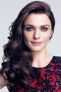 The gorgeous Rachel Weisz <3 The perfect side-swept hair to wear with the dress! #Hedonia #Competition