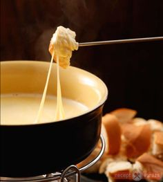 Sajtfondű Fondue, Dips, Food And Drink, Cheese, Cookies, Ethnic Recipes, Sauces, Yummy Food, Red Peppers