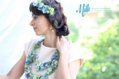 Flower necklace, earrings and tiara