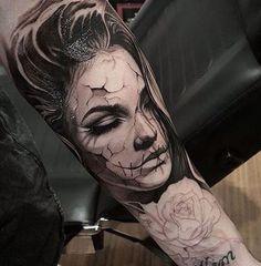 Girl Face Tattoo, Face Tattoos, Tattoo Girls, Leg Tattoos, Body Art Tattoos, Tattoo Drawings, Girl Tattoos, Sleeve Tattoos, Tatoos