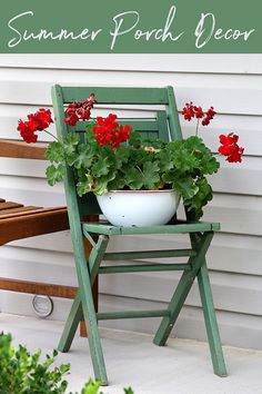 Summer back porch decorating ideas with an eclectic style. Easy DIY and decor in. Summer back porch decorating ideas with an eclectic style. Easy DIY and decor inspiration for your porch or patio this summer. Shabby Chic Kitchen, Shabby Chic Homes, Kitchen Decor, Rustic Wall Art, Rustic Decor, Vintage Decor, Vintage Country, Vintage Style, Summer Porch Decor