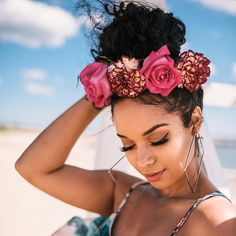 Stay Forever Fly for Festival Season with Curlformers African Hairstyles, Curled Hairstyles, Headband Hairstyles, Black Women Hairstyles, Cool Hairstyles, Hairstyles Pictures, Natural Hair Care, Natural Hair Styles, Short Hair Styles