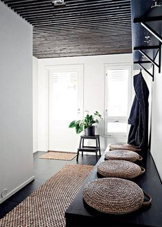 More often than not, your home's entryway is the place that sends you off to tackle your day. Use these tips to create a stunning entryway. Interior Exterior, Interior Architecture, Deco Zen, Diy Furniture Cheap, Furniture Ideas, Entry Hallway, Black Hallway, Hallway Ceiling, House Entrance