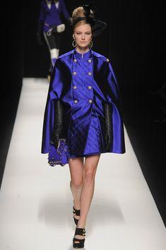 Moschino Fall 2012 Ready-to-Wear Fashion Show - Ymre Stiekema