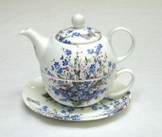 Cocina Mickey Mouse, Royal Tea, Tea For One, China Tea Sets, Teapots And Cups, Chocolate Pots, Tea Accessories, Coffee Set, Drinking Tea