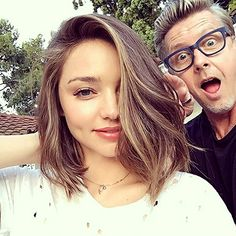 If Miranda Kerr isn't already one of your hair icons, it's time for you to get on board. The Australian supermodel got her shortest haircut ever this week — on camera! — and…