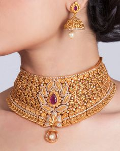 Buy the best Necklace Set Indian Jewelry online from the top Necklace Set manufacturer. Shop Veena Necklace Set online from the top brand for the best traditional and classy looks. Fine Jewelry, Gold Jewelry, Jewelry Box, Jewelry Scale, Clean Jewelry, Jewelry Drawer, Jewelry Cabinet, Hanging Jewelry, Antique Jewelry