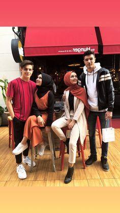 Beautiful Muslim Women, Beautiful Hijab, Modest Fashion Hijab, Muslim Fashion, Cute Muslim Couples, Cute Couples, Muslim Couple Photography, Hijab Style, Girl Hijab