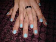 Przedłużanie paznokci, manicure hybrydowy
