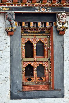 bhutan thimphu - people and places in thimphu may 2013 Buddhist Architecture, Asian Architecture, Cultural Architecture, Vernacular Architecture, Shangri La, Bhutan, Asian Windows, Lanscape Design, Architectural Pattern