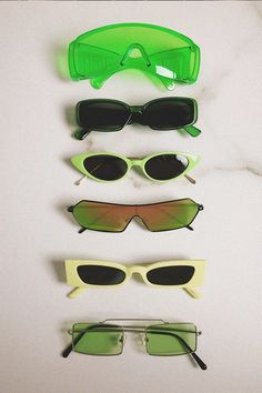 Celebrity Inspired Neon Green Accessories - Neon Green Style: Here's all the ideas that you'll need to rock Neon Green like an A-List celeb - Green Fashion, Fashion Looks, Spring Fashion, Cute Sunglasses, Sunnies, Trending Sunglasses, Vintage Sunglasses, Cat Eye Sunglasses, Sunglasses Women