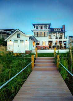 Beach House. Modern Beach House Design. #BeachHouseDesign