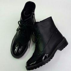 Ботинки Chanel зимние на шнуровке