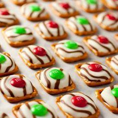 Pretzel M&M Hugs {Christmas Style} Recipe - ZipList