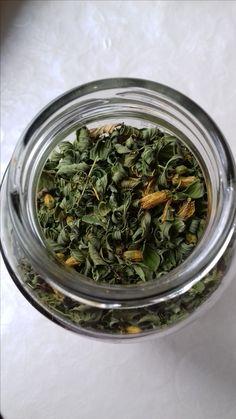 Dziurawiec na stany depresyjne, leczenie naturalne, herbaty i zioła
