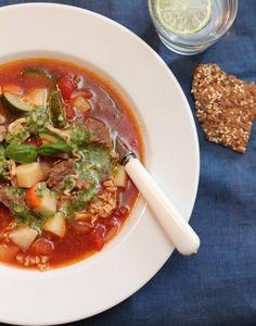 Biffsuppe med tomater, nudler og pistou - TRINEs MATBLOGG