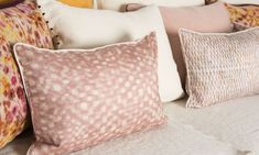 Springs Scintillating and glimmering rays appear offering a delicate touch of light. Composition: 100% SE Dimensions +/- 3%: 30x45cm Printed and stonewashed silk cushion cover, lined  with a washed cotton sheer, elegant matte off-white cotton piping finish, concealed zipper.