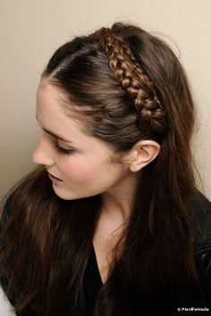 headband hairstyles for brides an easy low updo perfect for 2 gorgeous gatsby hairstyles for halloween or a wedding 50 … Party Hairstyles For Long Hair, Pretty Braided Hairstyles, Retro Hairstyles, Headband Hairstyles, Hairstyles Videos, Fringe Hairstyles, Winter Hairstyles, Braid Headband Tutorial, Headband Braids