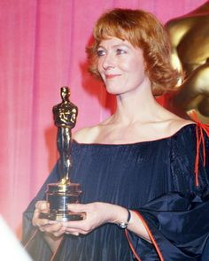 Vanessa Redgrave won the Academy Award for Best Supporting Actress for Julia in 1977.