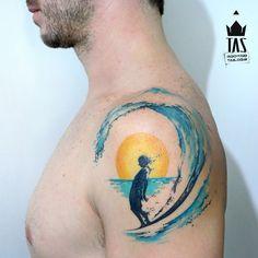 Surf Spirit tattoo by Rodrigo Tas Ocean Tattoos, Body Art Tattoos, Sleeve Tattoos, Wave Tattoos, Tatoos, Beach Tattoos, Hawaii Tattoos, Turtle Tattoos, Flower Tattoos