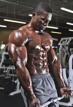One-Week Professional Bodybuilding Workout | Muscle & Fitness