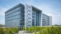 Gensler designed this LEED® Platinum–certified facility to accommodate BP's expansion in the Houston area, providing 378,000 square feet of...