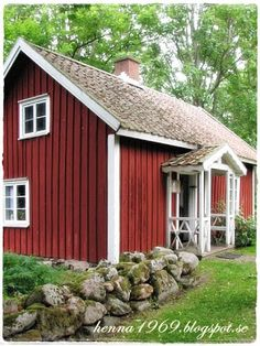 Henna at home Swedish Cottage, Wooden Cottage, Red Cottage, Swedish House, Dream Homes, My Dream Home, This Old House, Red Houses, Swedish Design