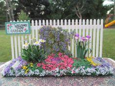 Judy Travis, Mini Creations by Judy, IGMA artisan - garden