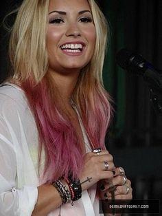 Demi Lovato, dip dye hair