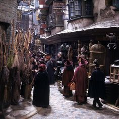 """""""I was told that Jo Rowling came onto the set of Diagon Alley on the first film, and that she just stood there, almost with a tear in her eye, because it was exactly as she had imagined it from the book."""" - Stephenie McMillan, Art Director Décoration Harry Potter, Fans D'harry Potter, Harry Potter Diagon Alley, James Potter, Harry Potter Universal, Potter Facts, Slytherin Aesthetic, Goth Aesthetic, Lord Voldemort"""
