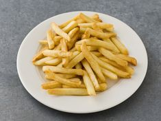 """A convection oven makes it easy to cook crispy oven-baked fries. A """"super convection"""" setting is helpful for faster, crispier results, but not required. Cooking French Fries, Oven Baked French Fries, French Fries Recipe, Microwave French Fries, Microwave Oven, Convection Oven Cooking, Countertop Convection Oven, Sin Gluten, Healthy Recipes"""