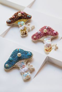 gorgeous bead embroidery mushrooms