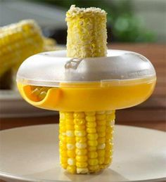 Wow, pour retirer les grains de maïs sans dégât! *** Corn Kerneler - Home and Kitchen | Well Done Stuff !