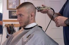Flattops and other great haircuts: Photo Great Haircuts, Cool Hairstyles For Men, Slick Hairstyles, Haircuts For Men, Men's Haircuts, Short Hair Cuts, Short Hair Styles, Bald Men Style, Barber Shop Haircuts