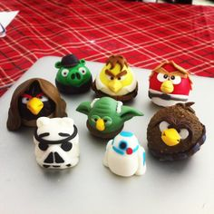 Angry Birds Star Wars fondant characters.