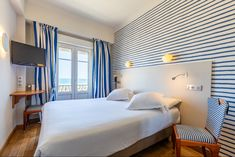 Hotel kyriad saint malo plage chambre vue sur mer