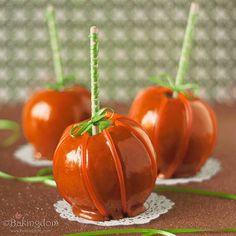 Pumpkin decorated apples...soooo cute!