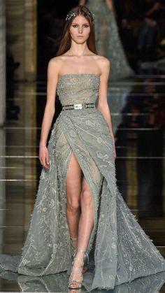 Elegant Dresses, Pretty Dresses, Beautiful Dresses, Fashion Week, Runway Fashion, Fashion Looks, Paris Fashion, Dress Fashion, Fashion Trends