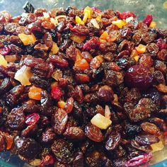 How To Make The Delicious Jamaican Black Fruit Cake in 10 Easy Steps Jamaican Fruit Cake, Rum Fruit Cake, Rum Cake, Fruit Cakes, Jamaican Cuisine, Jamaican Dishes, Jamaican Recipes, Jamaican Desserts, Caribbean Fruit Cake Recipe