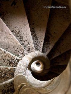 Escalera de caracol del Monasterio de Soto #Cantabria #Spain