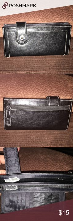 Nice Black Wallet ❤️ Nice Black Wallet with lots of compartments and also a mirror ❤️ Bags Wallets