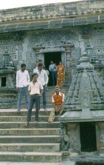 India. Junio 1988. Templo en la ruta de Bangalore a Madrás.