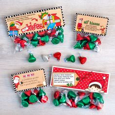 Cute Elf Kisses free printable bag toppers - just print and add to bags of Kisses candy for quick and easy Christmas treats! Perfect for Christmas favours, stocking stuffers and class treats! Christmas Class Treats, Christmas Sweet Cones, Christmas Treat Bags, Christmas Topper, Christmas Food Gifts, Christmas Party Favors, Christmas Labels, Christmas Projects, Xmas Gifts