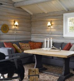 5 Amazing Log Home Decorating Ideas Lodge Style, Blue Grey Walls, Home And Living, Decor, House Interior, Home, Log Home Decorating, Home Decor, Log Home Living