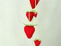 Girlande Erdbeeren nach Tilda Landhaus Aqufactum