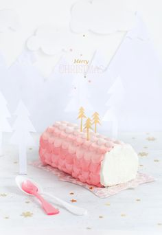 Adorable Yule Log from Knot Magazine