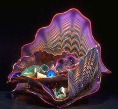 David Plotnick: Dale Chihuly multiple pieces of blown glass used to create this stunning sculpture. Dale Chihuly, Cristal Art, L'art Du Vitrail, Art Beauté, Blown Glass Art, Glass Artwork, Objet D'art, Stained Glass Art, Glass Design
